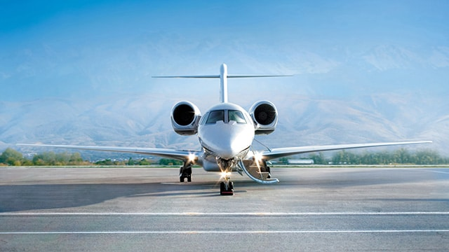Private jet and aircraft charter listings for Ontario.